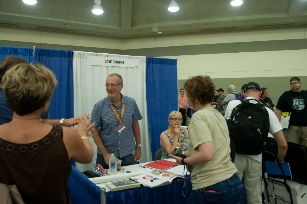Dave Gibbons chats with fans